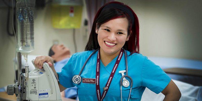Nursing graduate Rosa Armaz Diaz in Learning Resource Centre