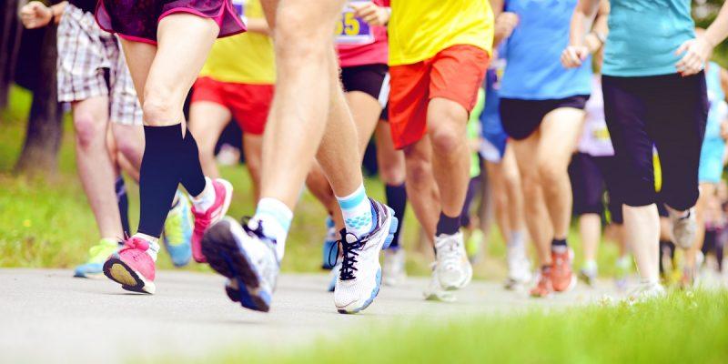 group-running-feet