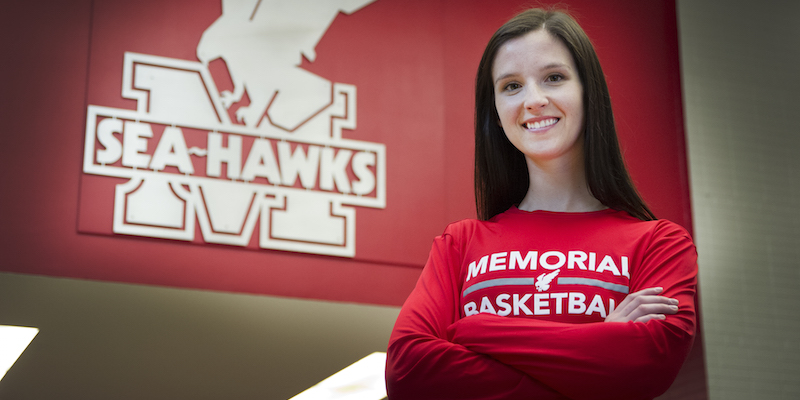 Katherine Vanden Elzen is a varsity athlete with the Sea-Hawks basketball team and a B.Kin. graduate.